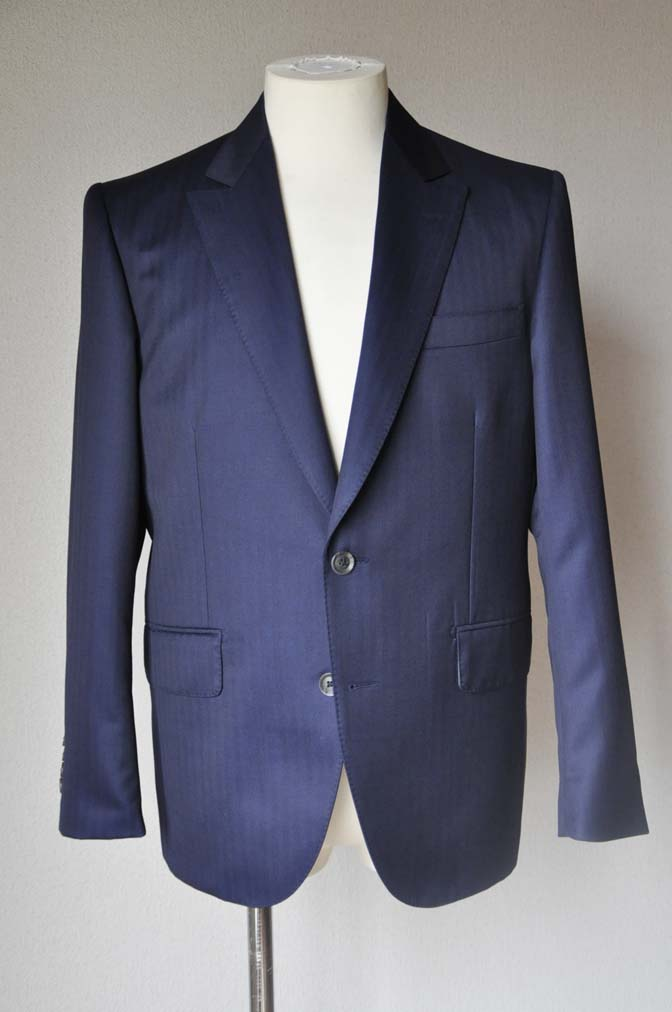 DSC18711 お客様のスーツの紹介-御幸毛織 ネイビーヘリンボーン-