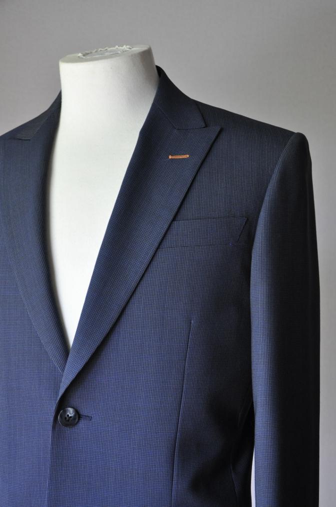 DSC1872 お客様のスーツの紹介- ネイビー千鳥格子スーツ-
