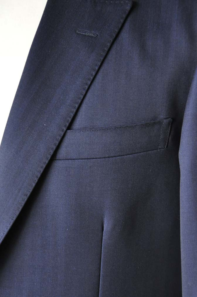 DSC18741 お客様のスーツの紹介-御幸毛織 ネイビーヘリンボーン-