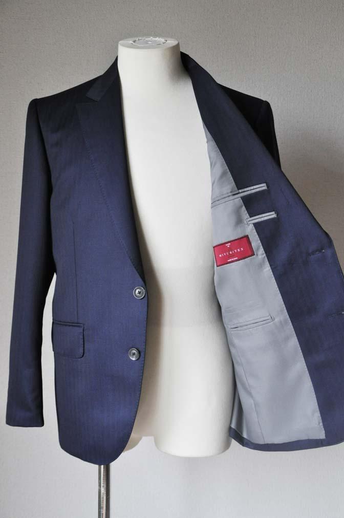 DSC18781 お客様のスーツの紹介-御幸毛織 ネイビーヘリンボーン-
