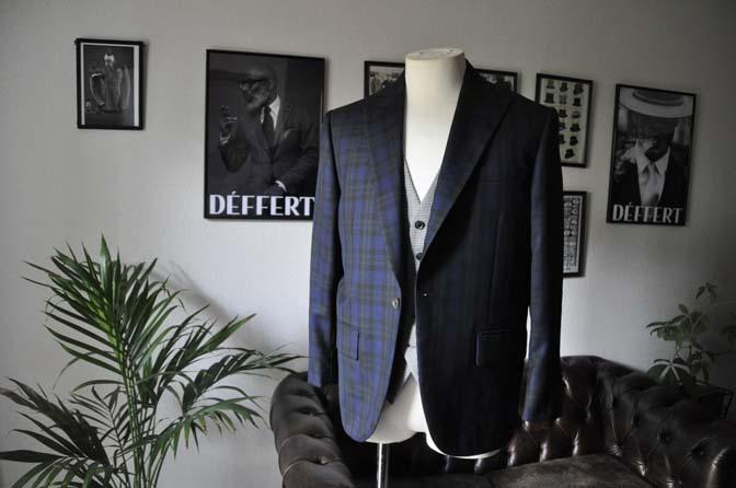 DSC18802 お客様のウエディング衣装の紹介- ブラックウォッチスーツ-