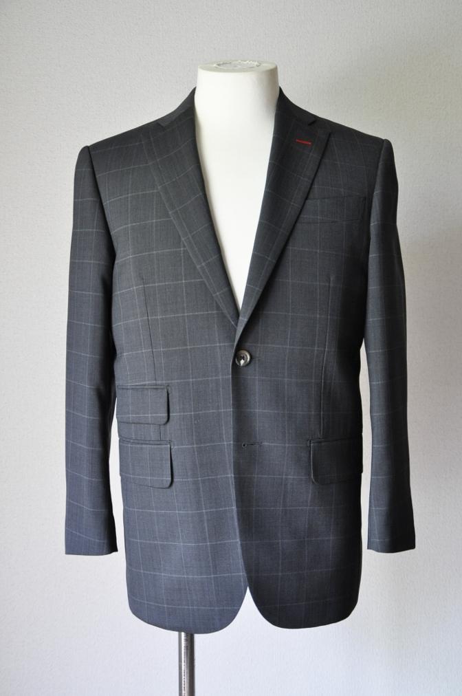 DSC1881 お客様のスーツの紹介- チャコールグレーウインドペーン-