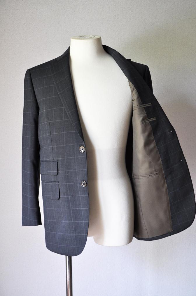 DSC1882 お客様のスーツの紹介- チャコールグレーウインドペーン-