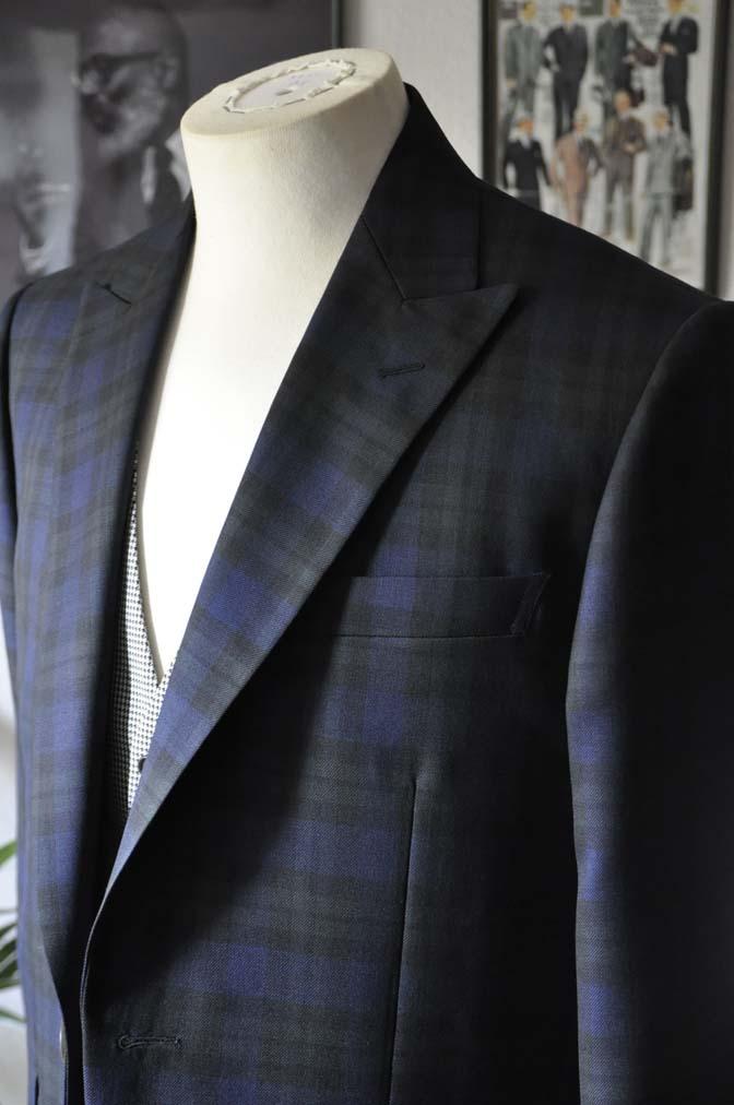 DSC18821 お客様のウエディング衣装の紹介- ブラックウォッチスーツ-
