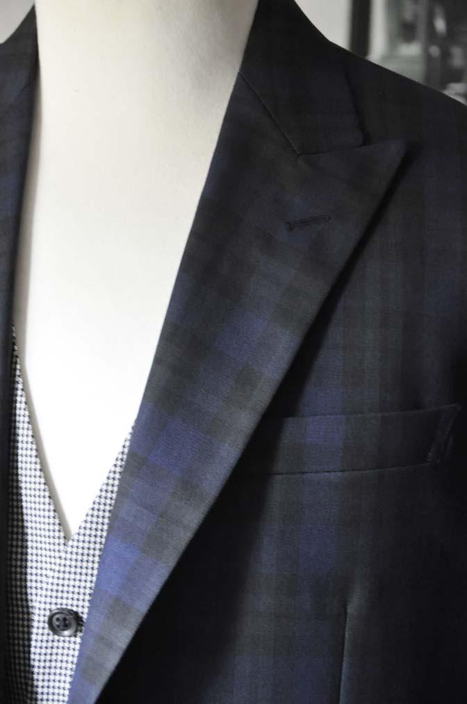 DSC18832 お客様のウエディング衣装の紹介- ブラックウォッチスーツ-