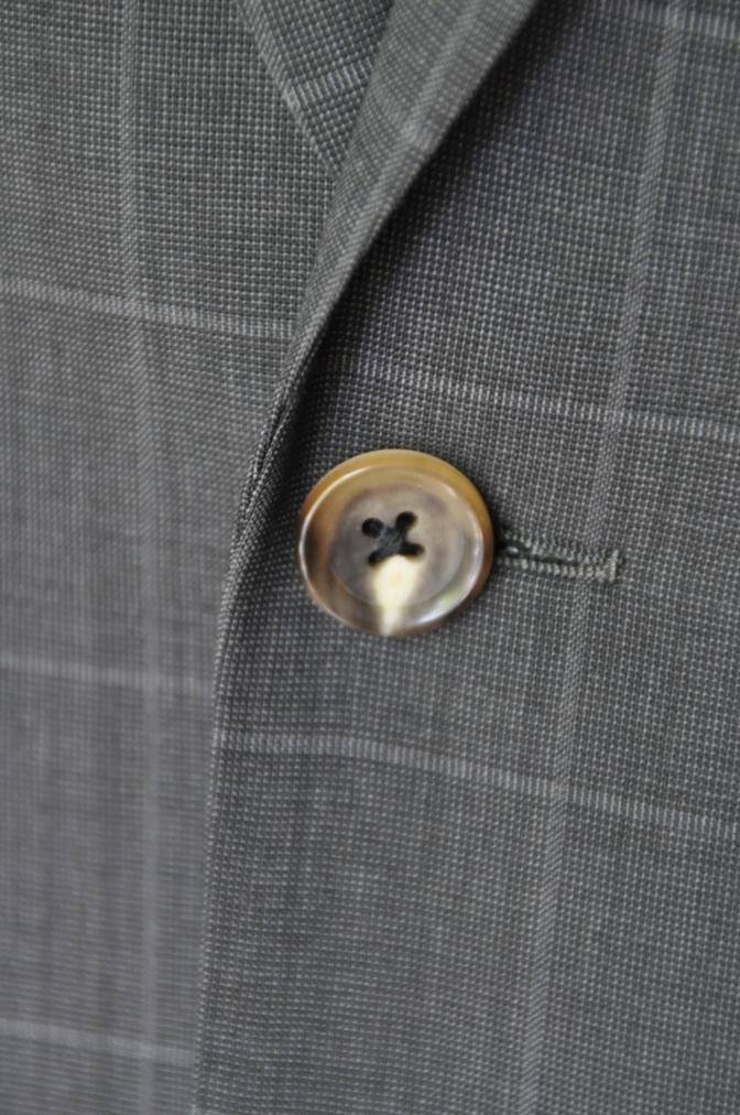 DSC1886 お客様のスーツの紹介- チャコールグレーウインドペーン-