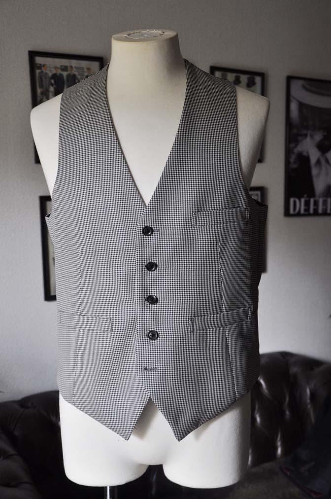DSC18891 お客様のウエディング衣装の紹介- ブラックウォッチスーツ-