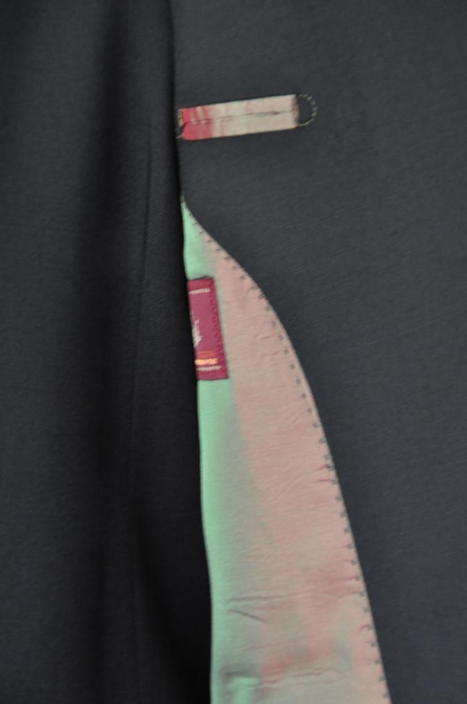 DSC1895 お客様のスーツの紹介- BIELLESI ブラックスリーピース-
