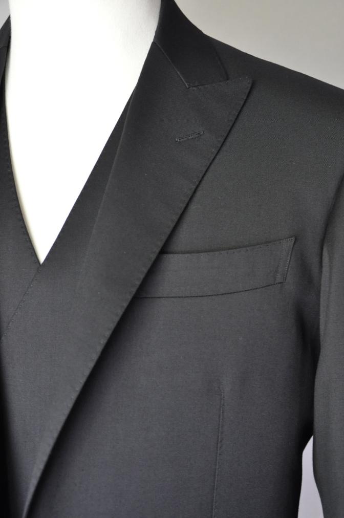 DSC1897 お客様のスーツの紹介- BIELLESI ブラックスリーピース-