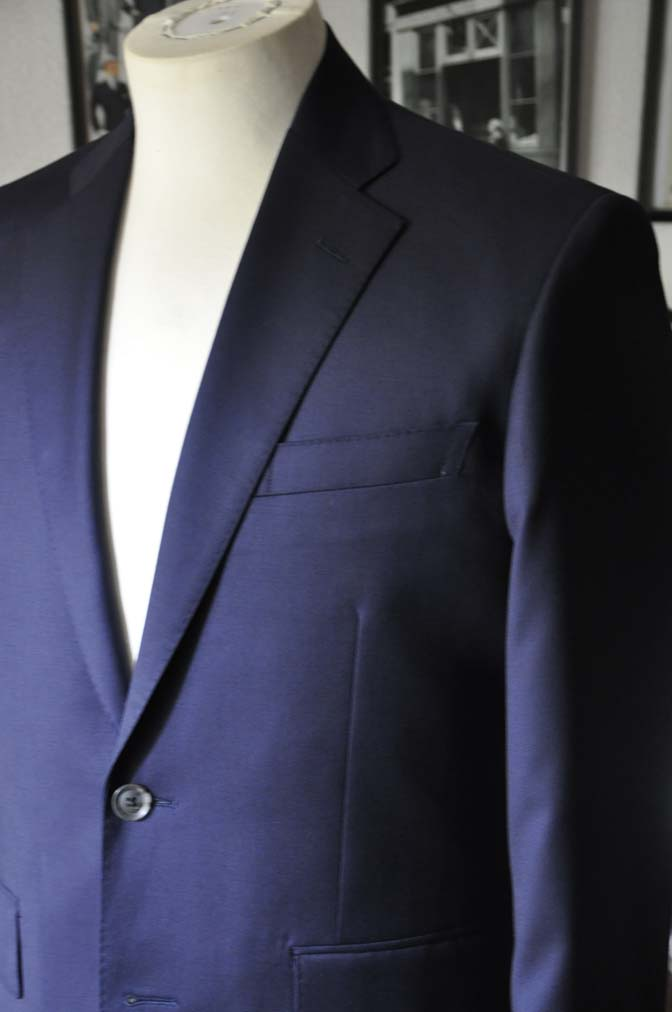 DSC18971 お客様のスーツの紹介- Biellesi 無地ネイビースーツ-