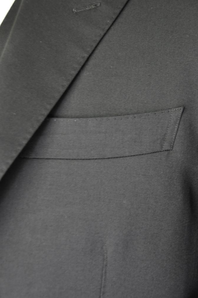 DSC1899 お客様のスーツの紹介- BIELLESI ブラックスリーピース-