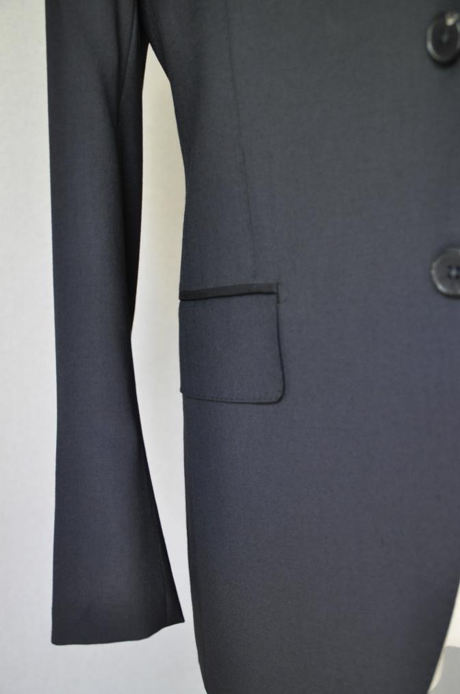 DSC1903 お客様のスーツの紹介- BIELLESI ブラックスリーピース-