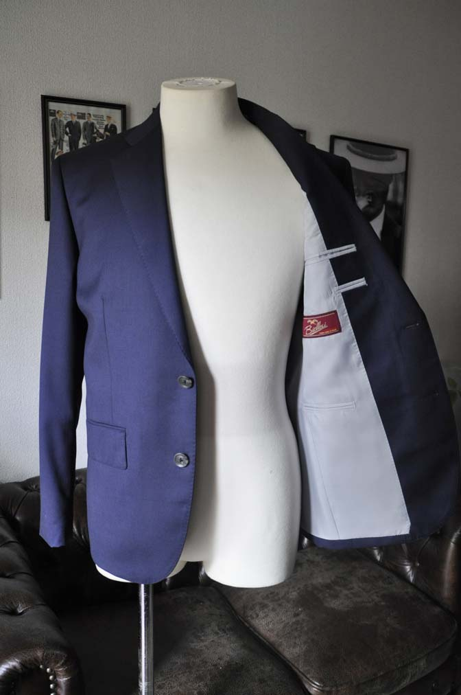 DSC19041 お客様のスーツの紹介- Biellesi 無地ネイビースーツ-