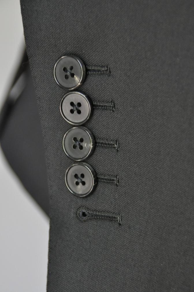 DSC1905 お客様のスーツの紹介- BIELLESI ブラックスリーピース-