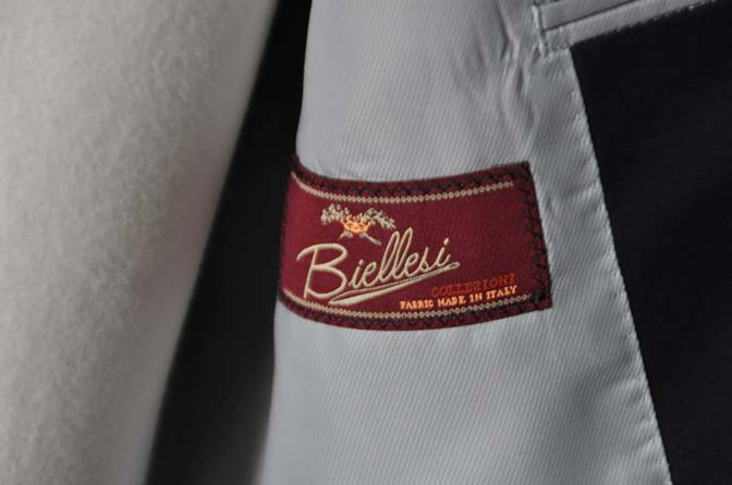 DSC19061 お客様のスーツの紹介- Biellesi 無地ネイビースーツ-