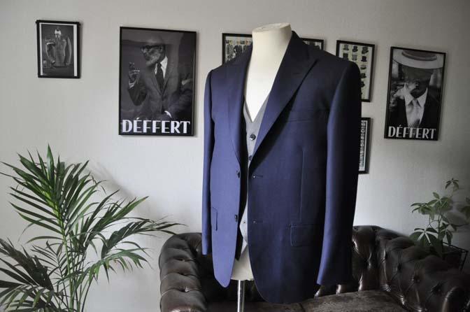 DSC1909 お客様のウエディング衣装の紹介- ネイビーバーズアイスーツ、グレーベスト-DSC1909 お客様のウエディング衣装の紹介- ネイビーバーズアイスーツ、グレーベスト- 名古屋市のオーダータキシードはSTAIRSへ