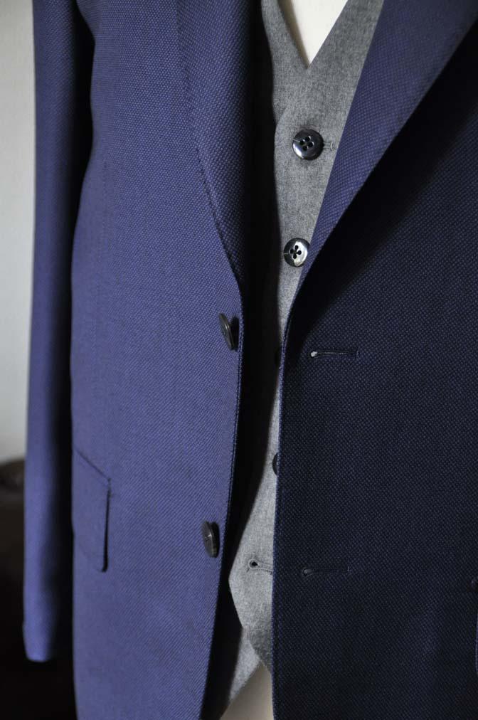 DSC19152 お客様のウエディング衣装の紹介- ネイビーバーズアイスーツ、グレーベスト-DSC19152 お客様のウエディング衣装の紹介- ネイビーバーズアイスーツ、グレーベスト- 名古屋市のオーダータキシードはSTAIRSへ