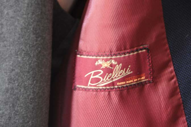 DSC1922 お客様のウエディング衣装の紹介- ネイビーバーズアイスーツ、グレーベスト-DSC1922 お客様のウエディング衣装の紹介- ネイビーバーズアイスーツ、グレーベスト- 名古屋市のオーダータキシードはSTAIRSへ