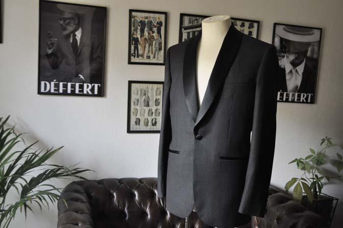 DSC1926 お客様のウエディング衣装のタキシードが仕上がってまいりましたのでご紹介いたします。