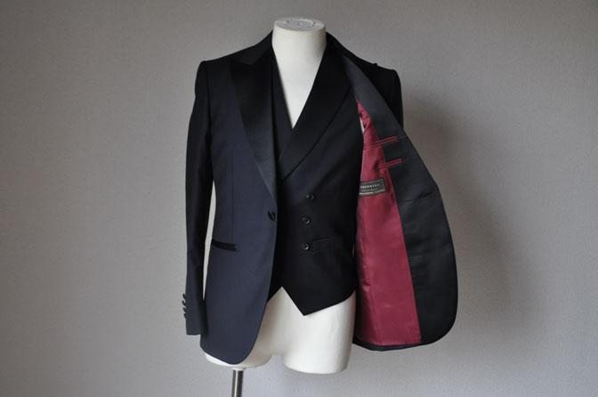 DSC1928 お客様のウエディング衣装の紹介-ダークネイビータキシード ダブルジレ-