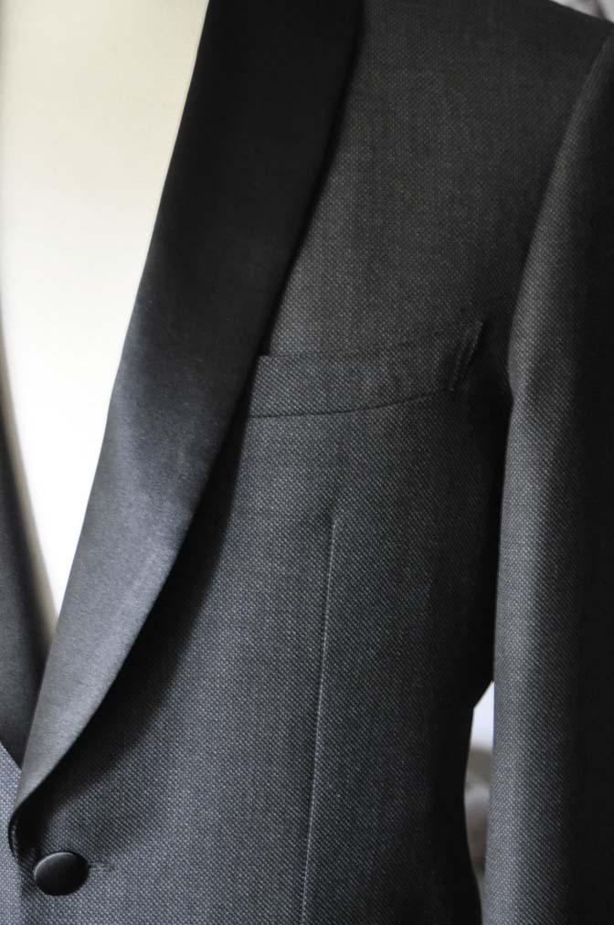 DSC1930 お客様のウエディング衣装のタキシードが仕上がってまいりましたのでご紹介いたします。