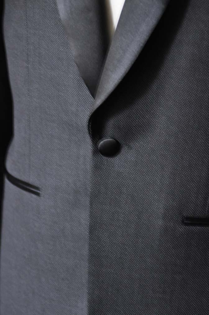 DSC19311 お客様のウエディング衣装のタキシードが仕上がってまいりましたのでご紹介いたします。