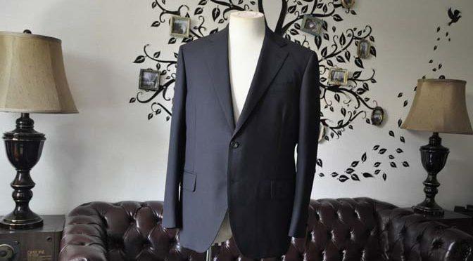 お客様のスーツの紹介-CARLO BARBERAネイビーストライプスーツ-