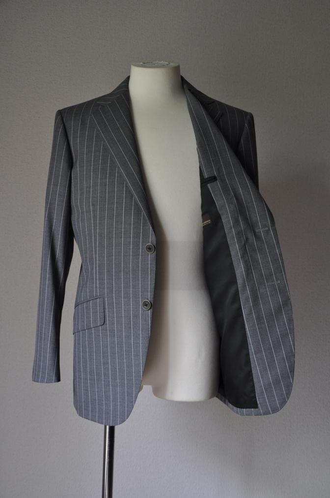 DSC1934 お客様のスーツの紹介- CANONICO グレーストライプ-