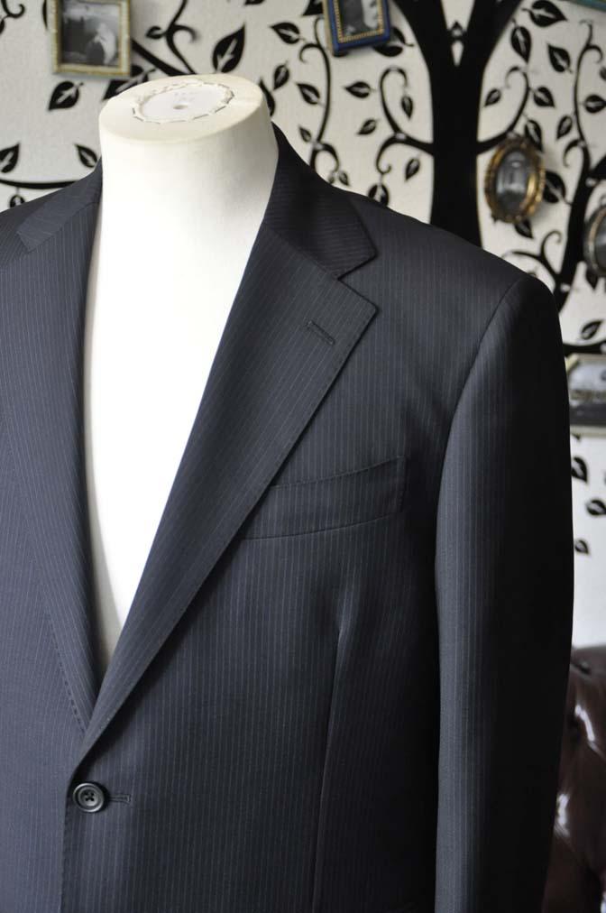 DSC1936-1 お客様のスーツの紹介-CARLO BARBERAネイビーストライプスーツ- 名古屋の完全予約制オーダースーツ専門店DEFFERT