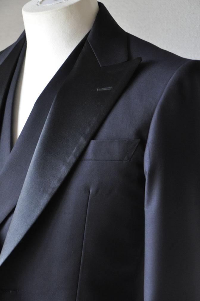 DSC19361 お客様のウエディング衣装の紹介-ダークネイビータキシード ダブルジレ-