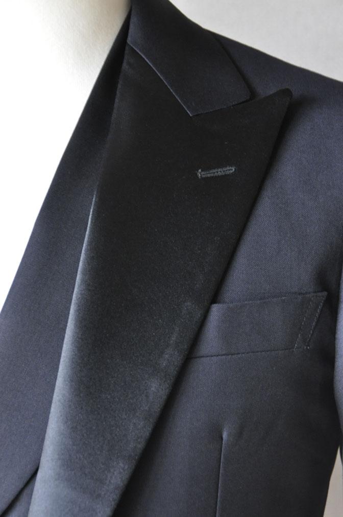 DSC19371 お客様のウエディング衣装の紹介-ダークネイビータキシード ダブルジレ-