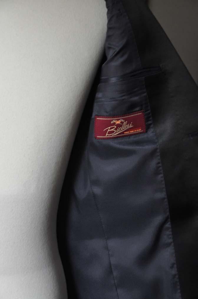 DSC19501 お客様のウエディング衣装の紹介- ネイビーショールカラータキシード-DSC19501 お客様のウエディング衣装の紹介- ネイビーショールカラータキシード- 名古屋市のオーダータキシードはSTAIRSへ