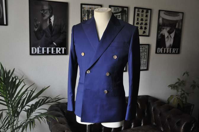 DSC19542 お客様のスーツの紹介-Biellesi 無地ネイビーダブルスーツ-