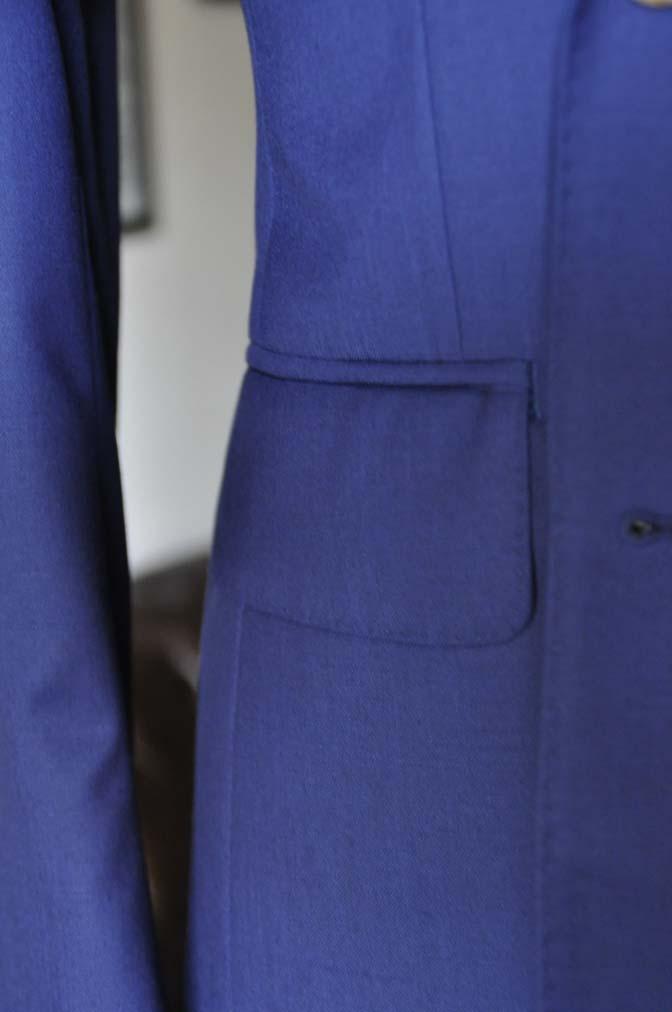 DSC19612 お客様のスーツの紹介-Biellesi 無地ネイビーダブルスーツ-