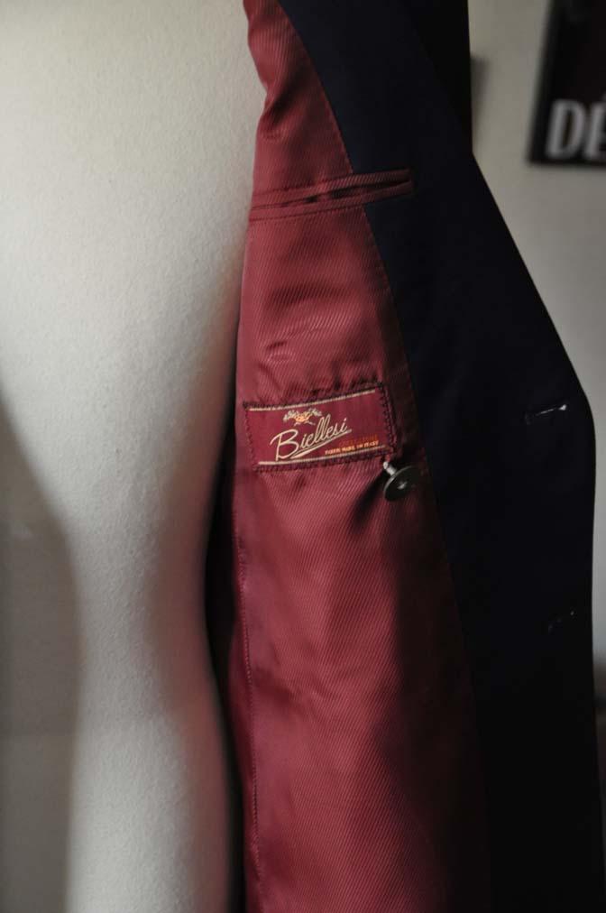 DSC1964 お客様のスーツの紹介-Biellesi 無地ネイビーダブルスーツ-
