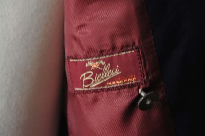 DSC1965 お客様のスーツの紹介-Biellesi 無地ネイビーダブルスーツ-