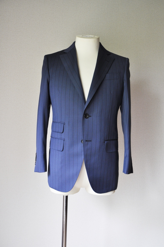 DSC1975 お客様のスーツの紹介-BIELLESI ネイビーストライプ-