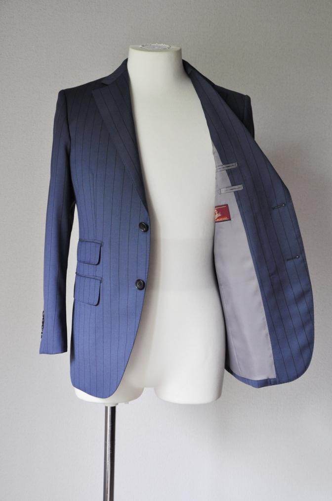 DSC19781 お客様のスーツの紹介-BIELLESI ネイビーストライプ- 名古屋の完全予約制オーダースーツ専門店DEFFERT