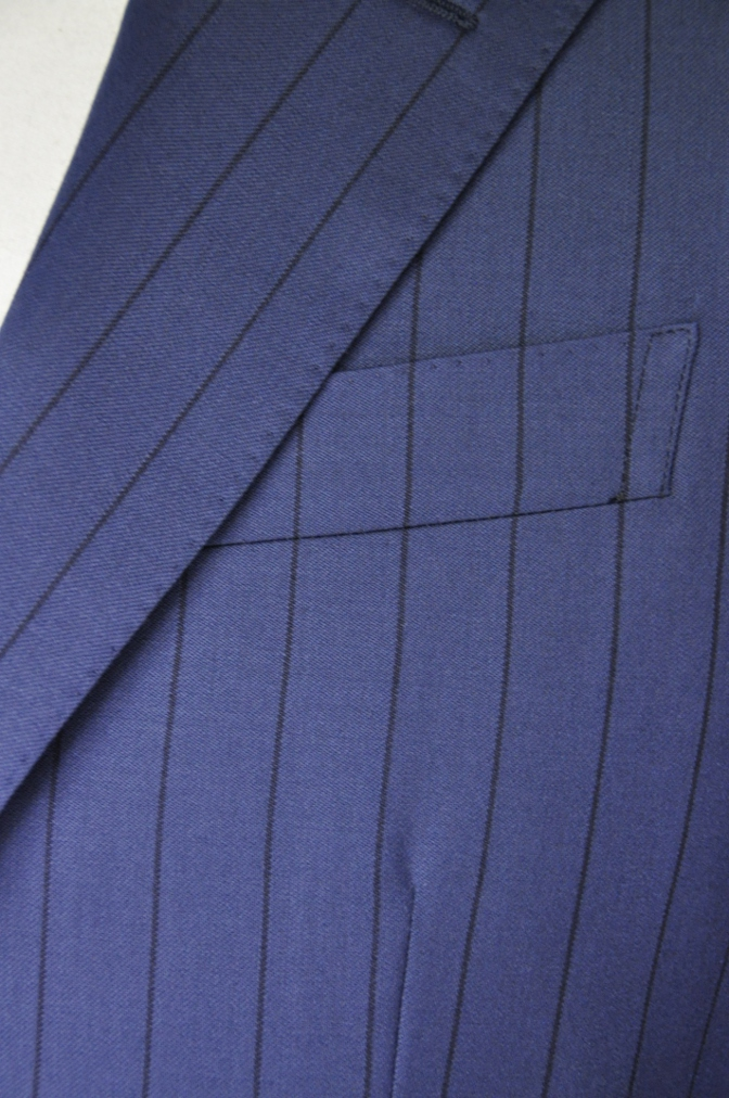 DSC1985 お客様のスーツの紹介-BIELLESI ネイビーストライプ-