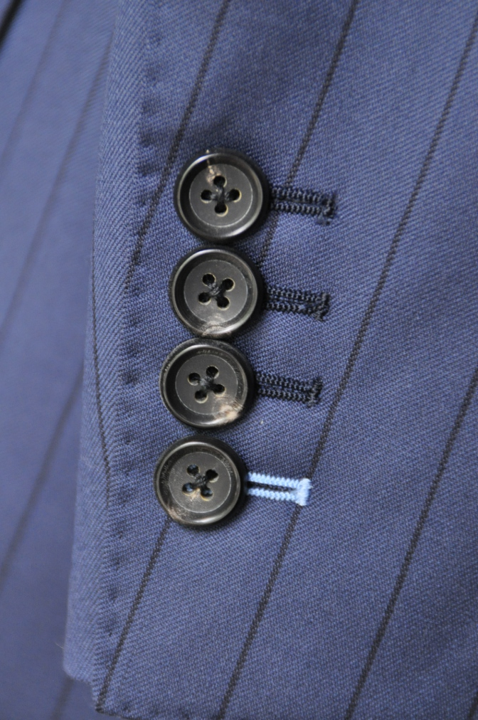 DSC1988 お客様のスーツの紹介-BIELLESI ネイビーストライプ-