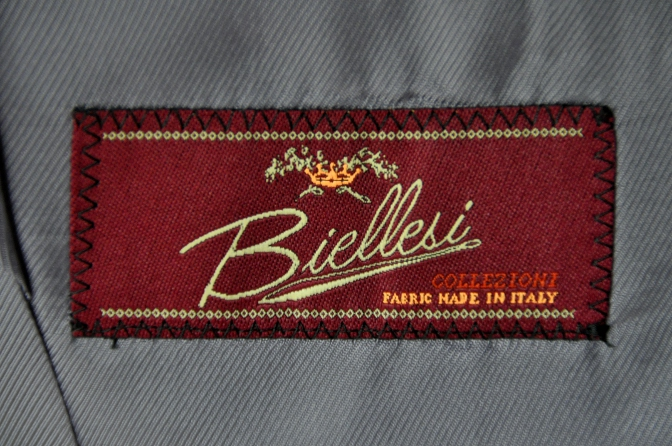 DSC1990 お客様のスーツの紹介-BIELLESI ネイビーストライプ- 名古屋の完全予約制オーダースーツ専門店DEFFERT