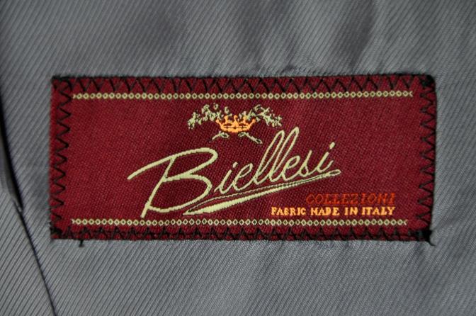 DSC1990 お客様のスーツの紹介-BIELLESI ネイビーストライプ-