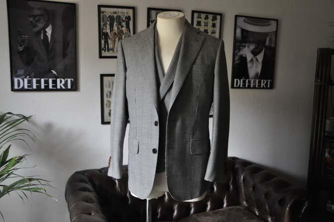 DSC20022 お客様のスーツの紹介- DUGDALE グレンチェック ダブルベスト-