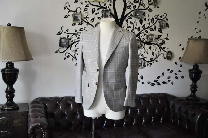 DSC2006-1 お客様のジャケットの紹介-Tallia Di Delfinoベージュチェックジャケット-