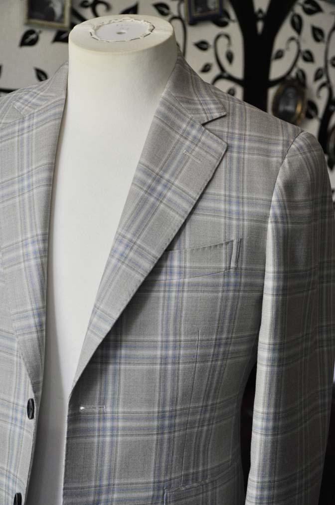 DSC2010-1 お客様のジャケットの紹介-Tallia Di Delfinoベージュチェックジャケット-