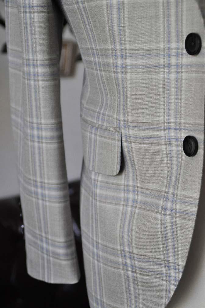 DSC2014-1 お客様のジャケットの紹介-Tallia Di Delfinoベージュチェックジャケット- 名古屋の完全予約制オーダースーツ専門店DEFFERT