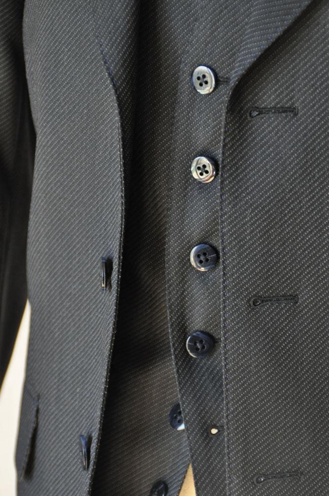 DSC20141 お客様のスーツの紹介-チャコールグレー スリーピーススーツ-