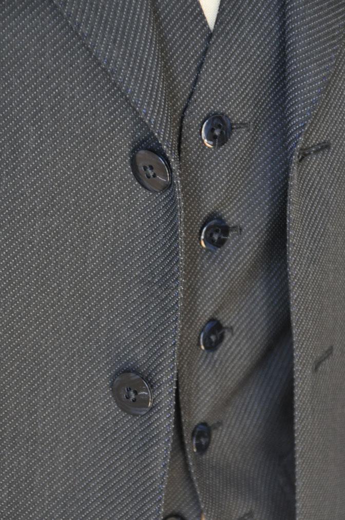DSC20151 お客様のスーツの紹介-チャコールグレー スリーピーススーツ-