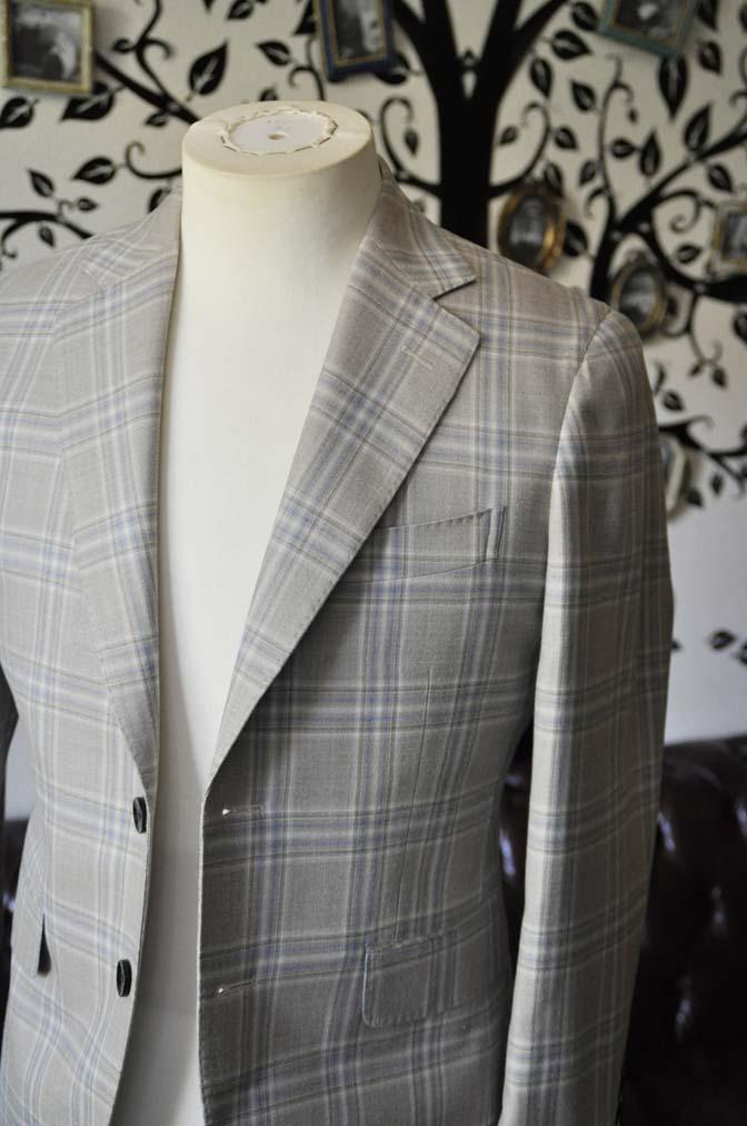 DSC2022-1 お客様のジャケットの紹介-Tallia Di Delfinoベージュチェックジャケット-