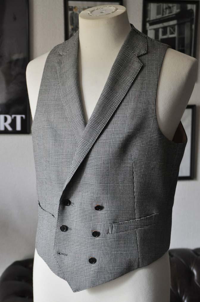 DSC2023 お客様のスーツの紹介- DUGDALE グレンチェック ダブルベスト-